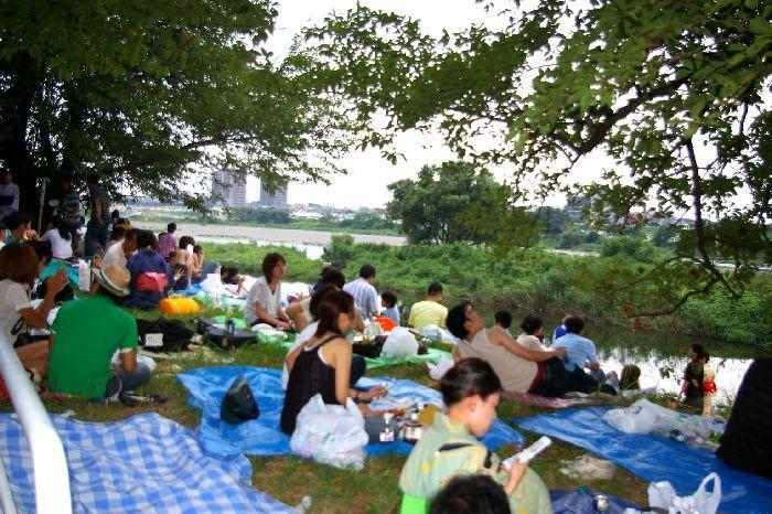 多摩川&たまがわ花火大会(世田谷&川崎)の鑑賞風景3